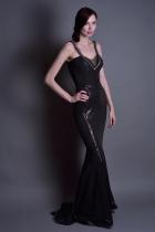 Черное платье с пайетками