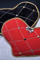 Две парные подушки сердце с брошью-орденом